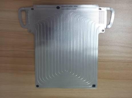 结构形状来进行设计,电芯单体主要分为圆柱电芯和方形电芯以及软包这